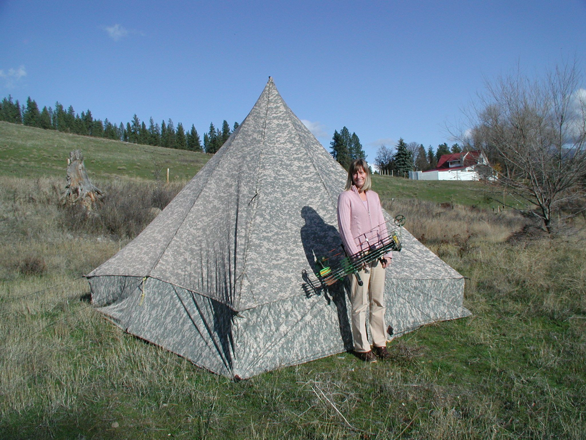 Custom 11x11 pyramid with sidewalls in universal camo2