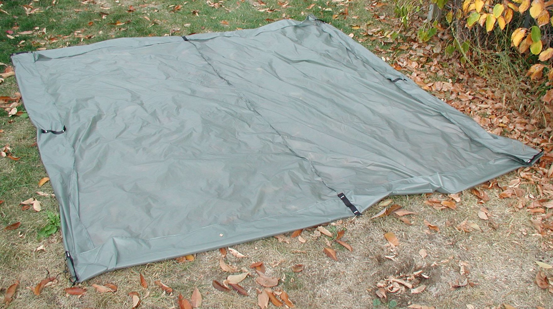 OLYMPUS DIGITAL CAMERA. Mid floor & Bathtub floor for Pyramid Tarps | Oware